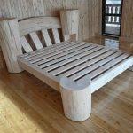 Дачная кровать из дерева