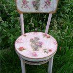 Интересная реставрация старого стула с красивым рисунком