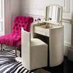 Компактный раскладной столик с отодвигающимся стулом