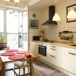 Красивая кухня без верхних шкафчиков