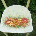 Красивое оформление сидения стула в технике декупаж