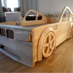 Кровать из дерева для детской