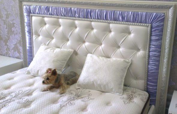 Кровать с багетом