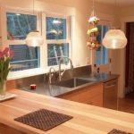 Кухонная столешница из светлого дерева