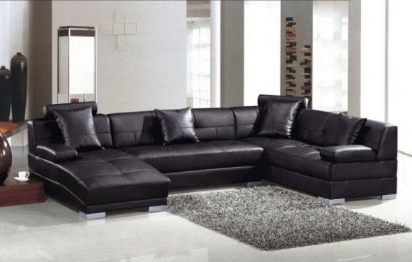 Красивый черный диван
