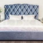 Мягкая двухспальная кровать с изголовьем - каретная стяжка