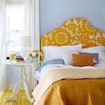 Мягкое разноцветное изголовье кровати