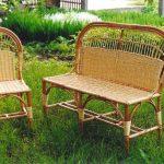 Плетеное кресло и стул