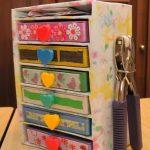 Рукодельный комодик из картона с цветочным декором