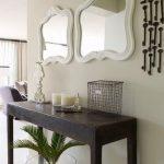 Туалетный столик столик из камня с зеркалами разного размера