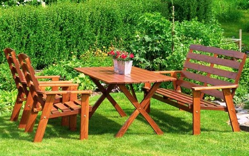Деревянный стол с Х-образными ножками