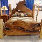 Дикое дерево для спинок самодельной кровати