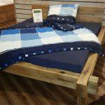 Кровать из толсты деревянных брусьев своими руками