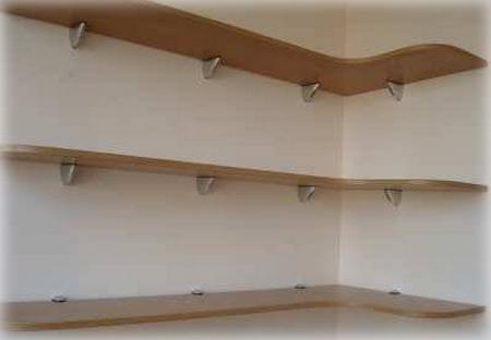 Простые книжные угловые полки