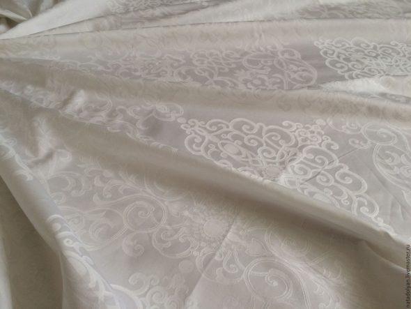 Белоснежный сатин с рисунком