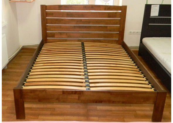 Кровать с ламелями из бука