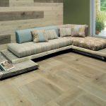 Диван с деревянной основой и мягкими сидениями своими руками