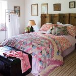 Двухсторонние покрывало на кровать в стиле печворк