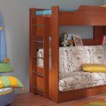 Двухъярусную кровать можно совместить с диваном