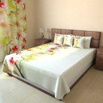 Комплект для спальни: шторы и покрывало с орхидеями