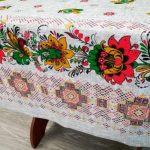 Красивая практичная скатерть из хлопка с цветами