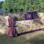 Красивое покрывало на уличный диван