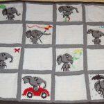 Плед со слониками для малыша