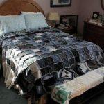 Покрывало на кровать из старых джинсов