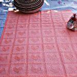 Розовые квадратики с сердечками для новорожденной девочки