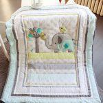Стеганое детское одеяло со слониками
