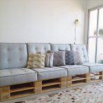 Светлый диван из отдельных моделей своими руками