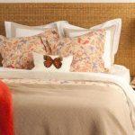 Текстиль с бабочками для спальни