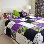 Яркие цветочные мотивы для покрывала в спальню