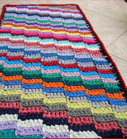 Большой и красивый коврик
