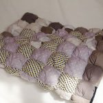 Красивая комбинация для декоративного одеяла в стиле бонбон