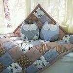 Красивое одеяло из лоскутков и подушки совушки ручной работы