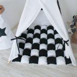 Шикарный коврик для игр в палатке, созданный своими руками