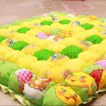 Яркое солнечное покрывало в кроватку и для игр малыша
