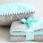 Двусторонний плед и подушка из плюша