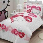 """Оформление детской спальни с лбиммыми героями """"Китти"""""""