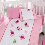 Яркие бабочки для нежной розовой девочковой постельки