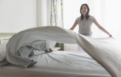 Замена постельного на взрослую кровать