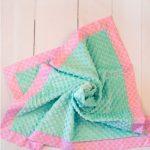 Зелено-розовый плюшевый плед Минки