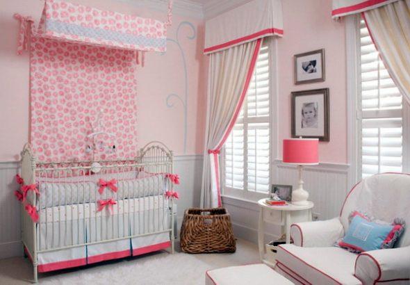 Двухцветные шторы в комнату девочки