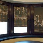 Окна лоджии с рулонными шторами с фотопечатью
