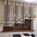 Римская штора с атласными лентами