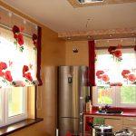 Красные маки на римских шторах