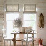 Декорирование римскими шторами окон в частном доме