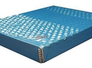 Водяные матрасы требуют специальные кровати
