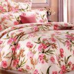 Красивая ткань с розами идеально подходит для пошива постельного